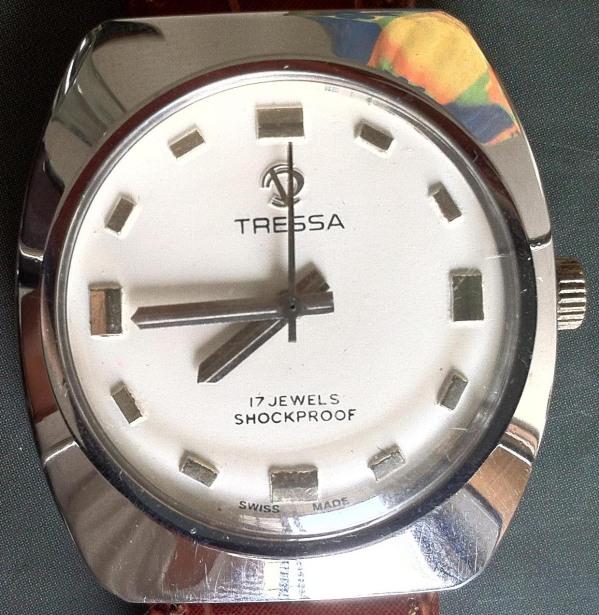 Tressa 17 Jewels Shockproof Manual Winding o1