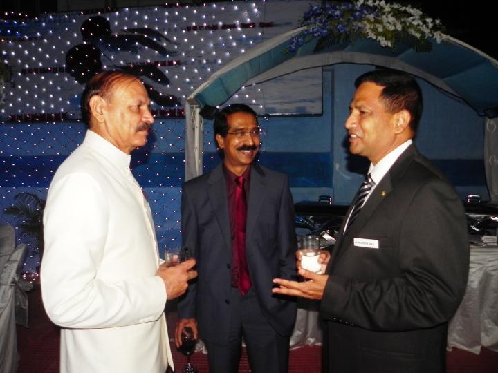 The host Maj Gen RK Saiwal and Maj Gen Salahuddin Miaji