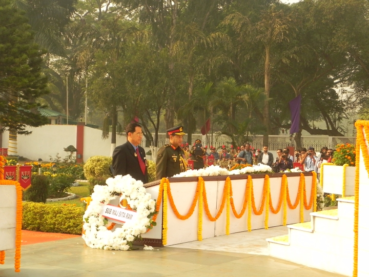 Wreath laying by the Bangladesh delegation