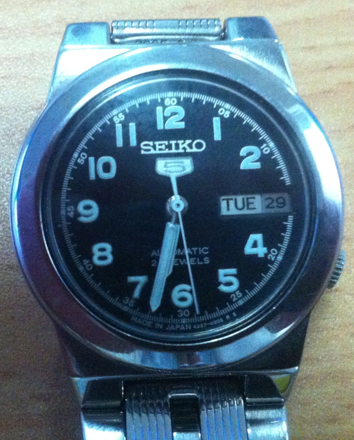 Seiko 5 Automatic in stainless steel 1