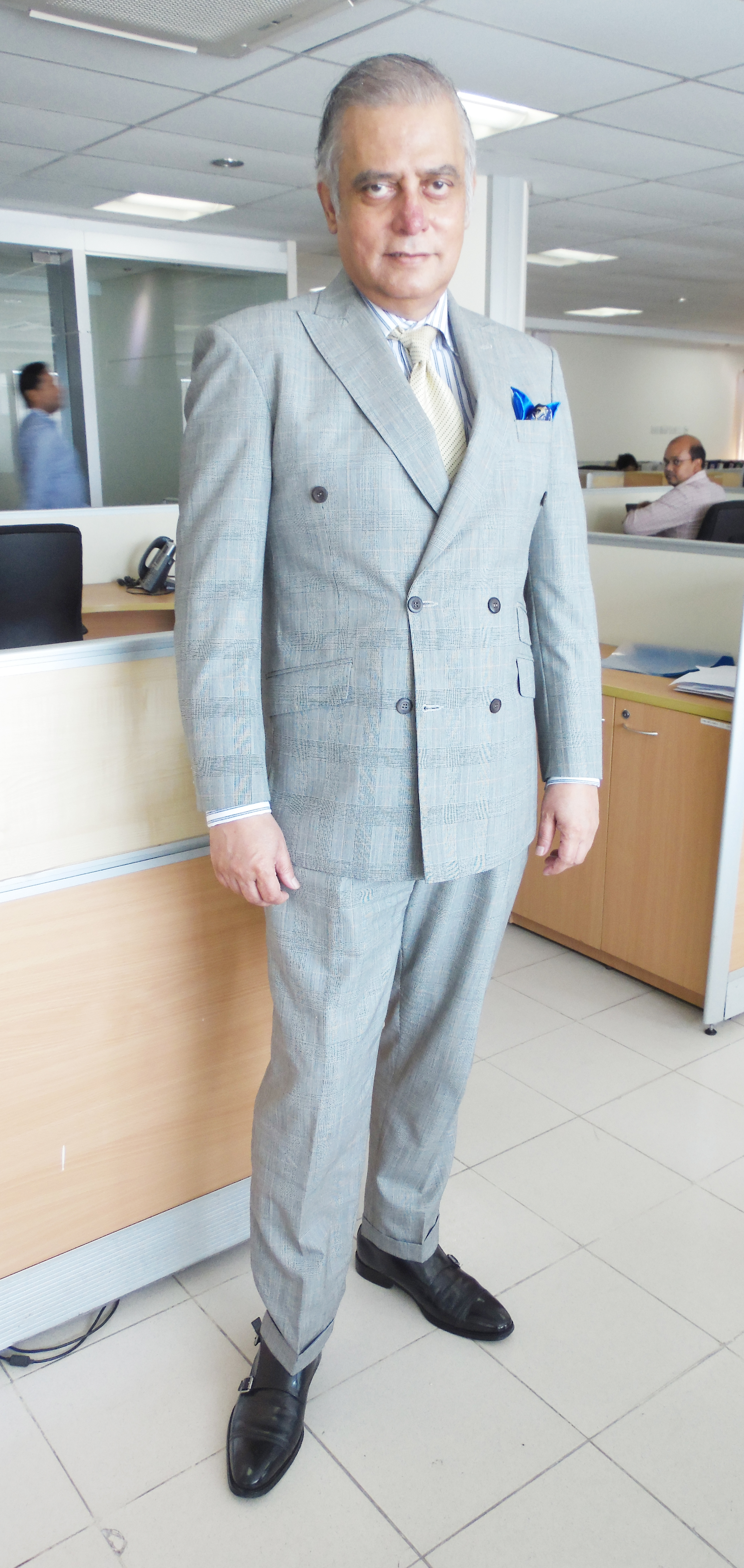 grey Prince of Wales check double-breasted (6X2) suit – This is a ...