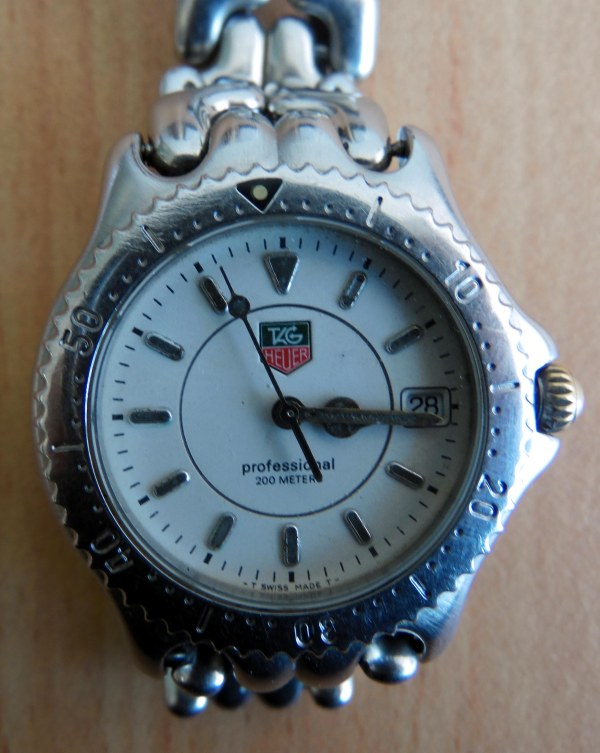 Tag Heuer Professional 200 atm